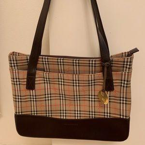 Burberry Handbag 👜